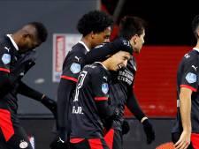 PSV ontsnapt in Emmen door voorzetten van invaller Mauro