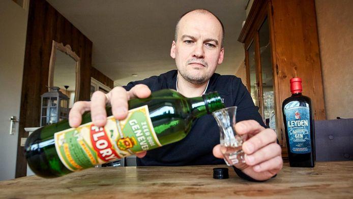 De Schiedamse drankenbereider André Langeveld: 'Dit is gewoon een mooi product.'