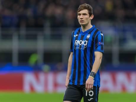 Niemand wil gratis shirt van Marten de Roon: 'Ik wed dat Messi hier nooit mee te maken heeft'