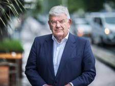 Burgemeester Jan van Zanen over gele sterren bij demonstratie: 'Hier walg ik van'
