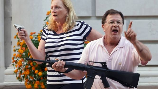 Advocatenkoppel dat wapens richtte op Black Lives Matter-betogers aangeklaagd