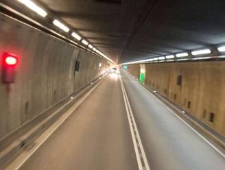 Duitser (25) negeert 64 keer rood licht in afgesloten Gotthardtunnel