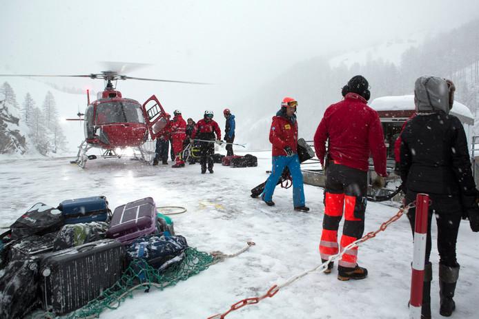 Zermatt kan alleen nog via een helikopter worden bereikt.