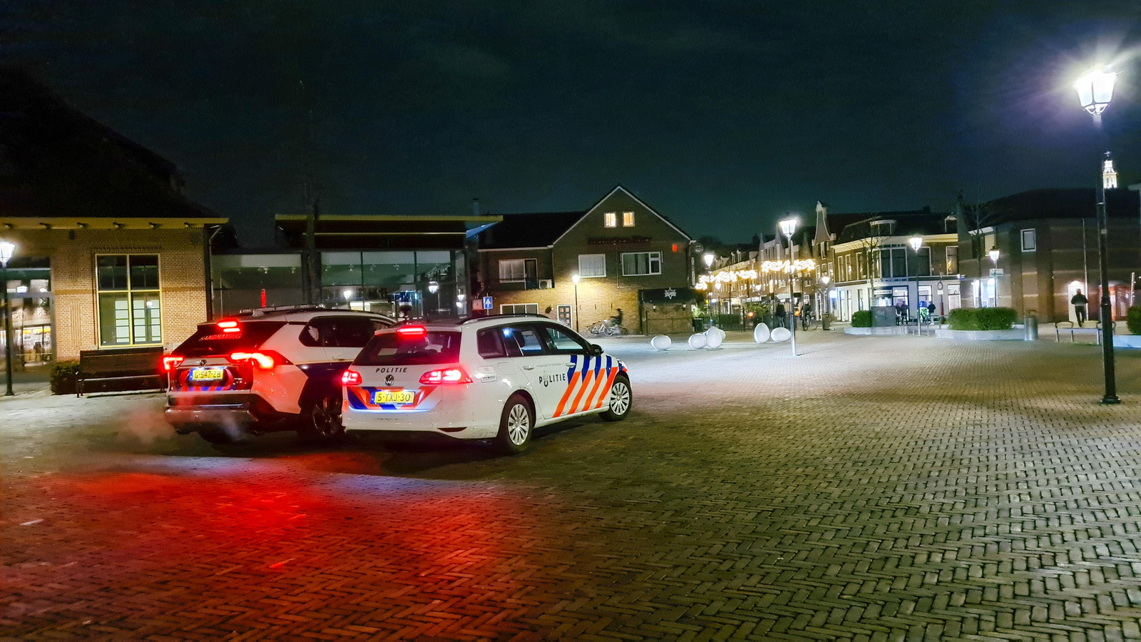 Politie op het Molenplein in Nijkerk