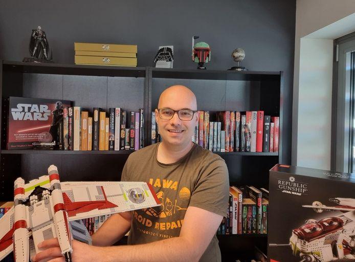 Marc de Groot gaf het afgelopen jaar 5000 euro uit aan zijn Star Wars-verzameling.