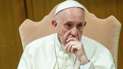 """Paus Franciscus: """"Homoseksuele koppels vormen geen gezin"""""""