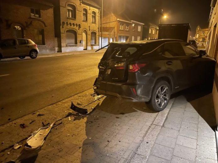 De Lexus van dokter Bart Ingelaere uit Beerst raakte volledig vernield door de aanrijding.