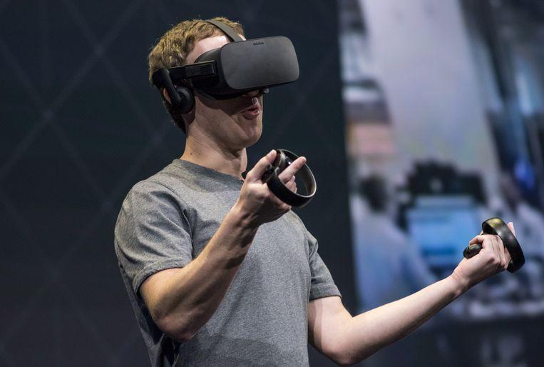 De Oculus VR-brillen worden door een dochteronderneming van Facebook gemaakt. Beeld Bloomberg via Getty Images