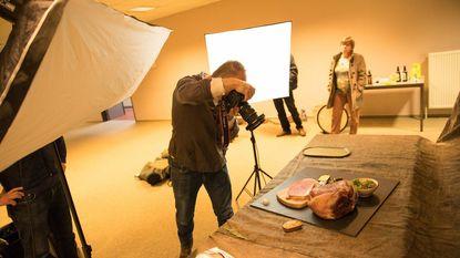 Fotograaf zet streekproducten in kijker