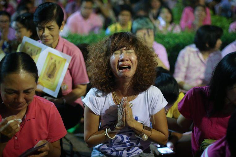 Thailand rouwt om de dood van koning Bhumibol. Beeld EPA