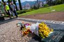 Op het familiegraf waarin Pablo Escobar is begraven, liggen altijd bloemen.