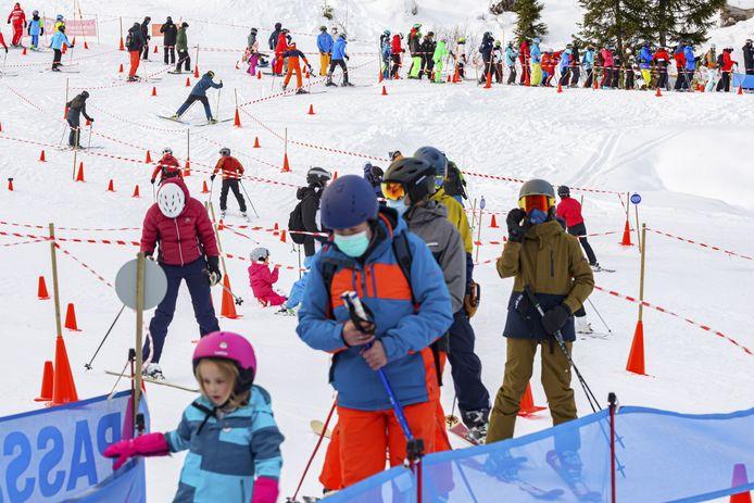 Skiërs in Villars-sur-Ollon in Zwitserland