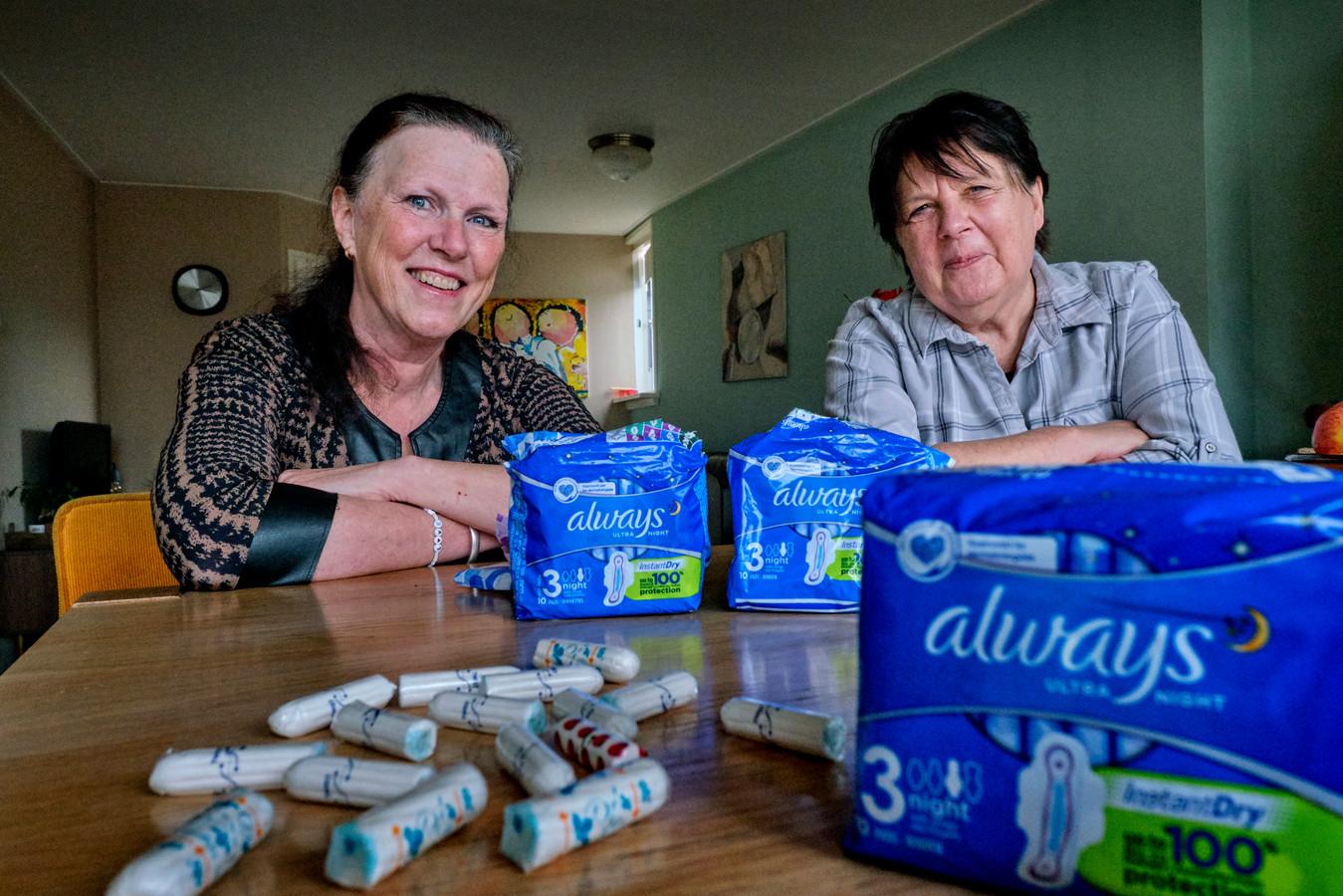 Inge Stevens (rechts) en Kitty Kruger willen in actie komen tegen de menstruatie-armoede.
