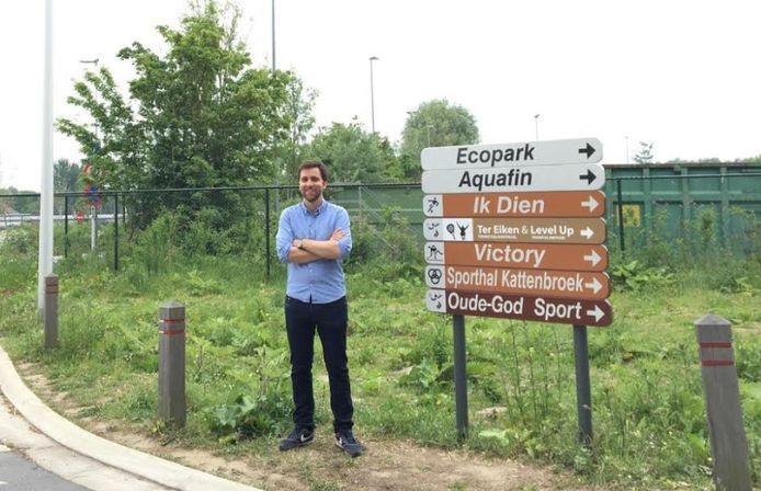 Gemeenteraadslid Adrian De Weerdt (CD&V) aan de Kattenbroeksite.