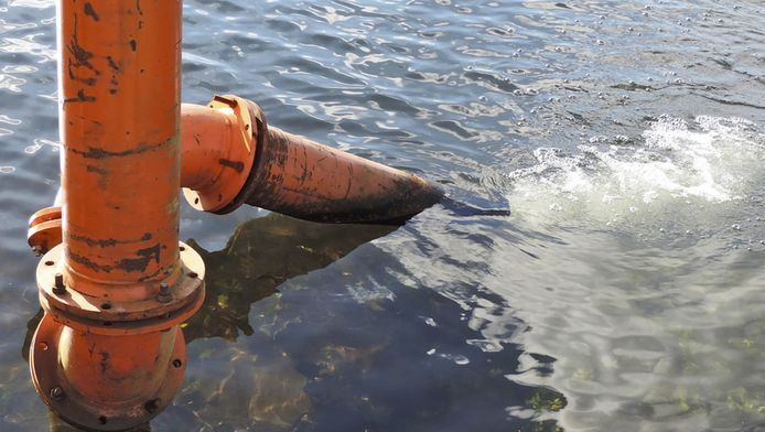 Bij hevige regenval vermengt het afval- en rioolwater zich met oppervlaktewater.