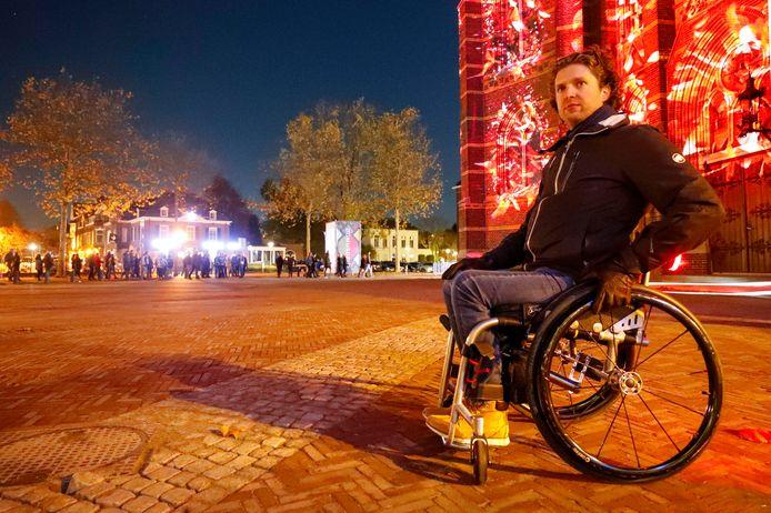 Hoe rolstoelvriendelijk is Glow? Het ED nam samen met Gerard de Nooij van Ongehinderd de proef op de som.
