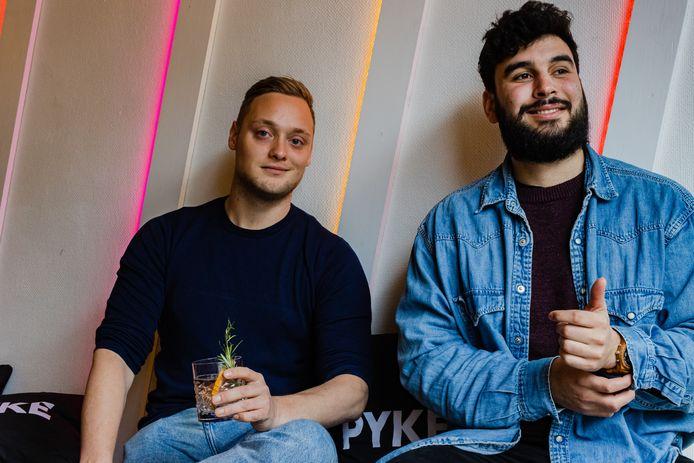 """Gydon en Luka met een PYKE. ,,Mensen willen weten waar eten en drinken vandaan komt."""""""