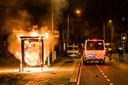 Vernielingen en vuurwerk bij rellen in Tilburg, ME aanwezig en noodbevel afgekondigd.