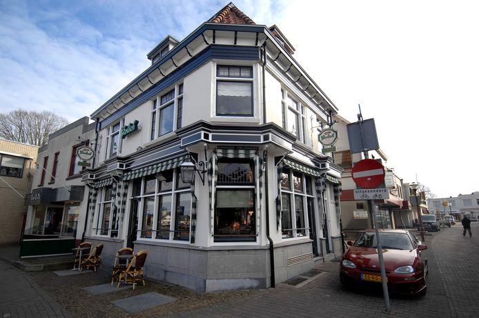 Café De Duizendpoot staat al sinds 1920 aan de Wierdensestraat 42 in Rijssen.