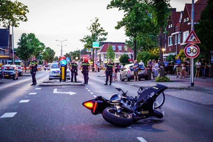 Ongeluk met motorrijder en fietsster in Eindhoven.