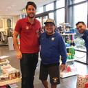 Diego Maradona bezocht dinsdagochtend de Hema in Mierlo en kocht voor ongeveer 400 euro spullen.