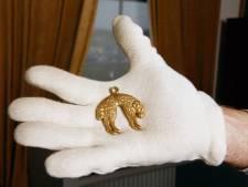 Zwaar beveiligde gouden hanger uit 1559 in Tiels Streekmuseum blijkt nep