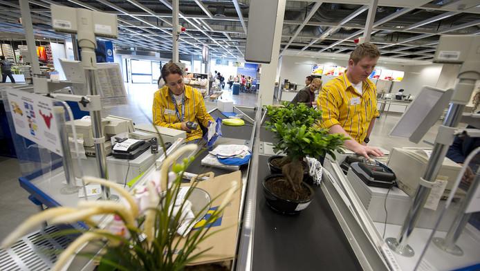 Kassa's van de winkel in Eindhoven van het Zweedse woonwarenhuis IKEA.