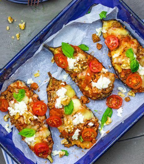 Wat Eten We Vandaag: Aubergine uit de oven met tomaat, couscous en walnoten