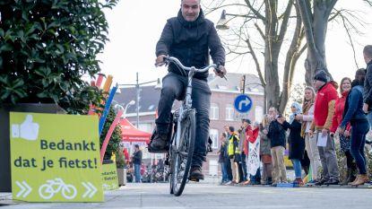 """Deze ochtend Nationale Applausdag voor tweewielers: """"Faciliteer het fietsen met creatieve oplossingen"""""""