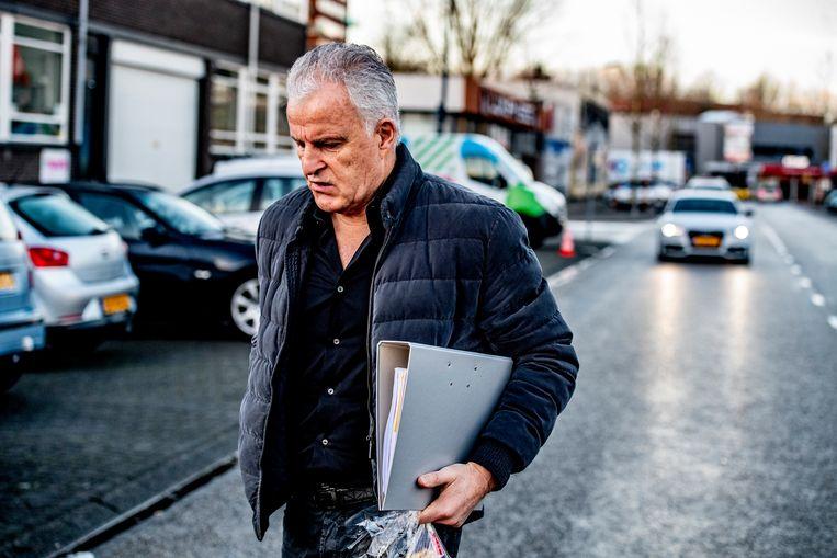 Peter R. de Vries stond Astrid Holleeder bij tijdens het proces tegen haar broer Willem in 2018, in de zwaarbeveiligde rechtbank De Bunker in Osdorp. Beeld ISOPIX