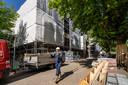 De opknapbeurt van woningen in de Hofstad loopt volgens plannning.