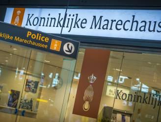 Twee Nederlandse Syriëgangers vast na aankomst op Schiphol