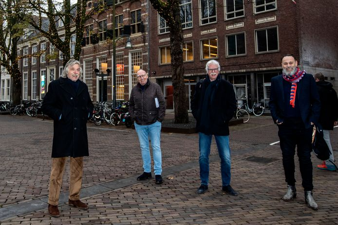 Johan Derksen, Kees Jansma, Matty Verkamman en Hugo Borst brachten eind 2020 een werkbezoek aan Deventer om te kijken of hun voetbalmuseum daar kan worden gevestigd.