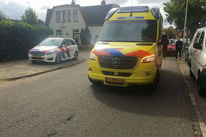 In Enschede is een fietser gewond geraakt na een aanrijding op de Mekkelholtsweg.