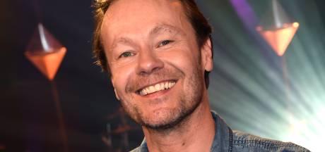 Gijs Staverman wil luisteraars uit coronadip trekken in nieuwe radio-show