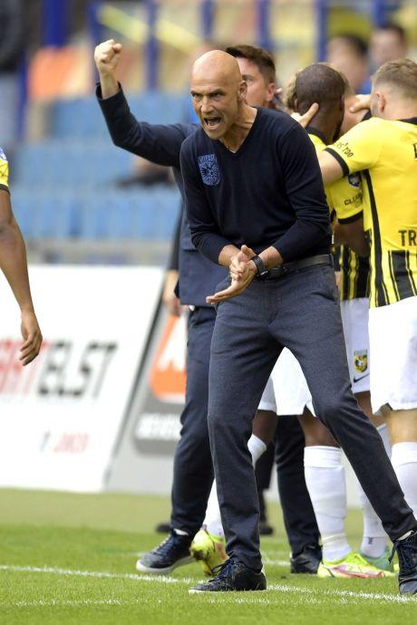 Letsch dolgelukkig met kwalificatie Vitesse: 'Belangrijk om te beseffen dat dit niet normaal is'