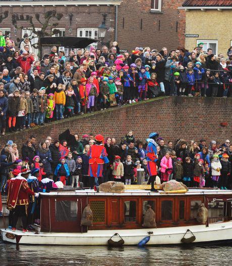 Burgemeester Heusden de pineut bij intocht Sinterklaas: parkeerbon van 99 euro