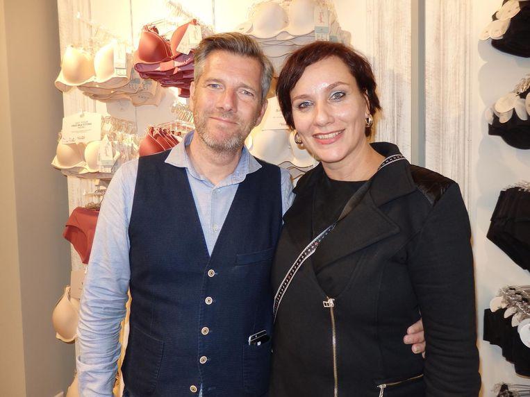 Triumphkopstukken Jörg Zeiger en Judith Zaat. Al 130 jaar bezig vrouwen zelfvertrouwen te geven. Beeld Schuim