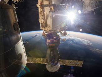 Motoren van Sojoez floepen plots aan en verschuiven ruimtestation ISS
