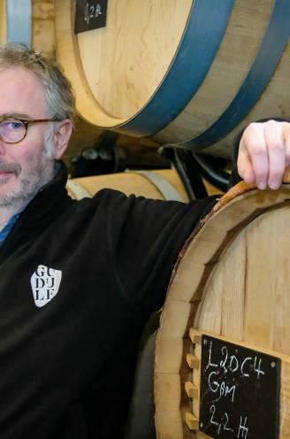 """Op bezoek bij Thierry Lejeune (53), de eerste Brusselse wijnproducent: """"Wijn die van a tot z in Brussel gemaakt wordt, waarom niet?"""""""
