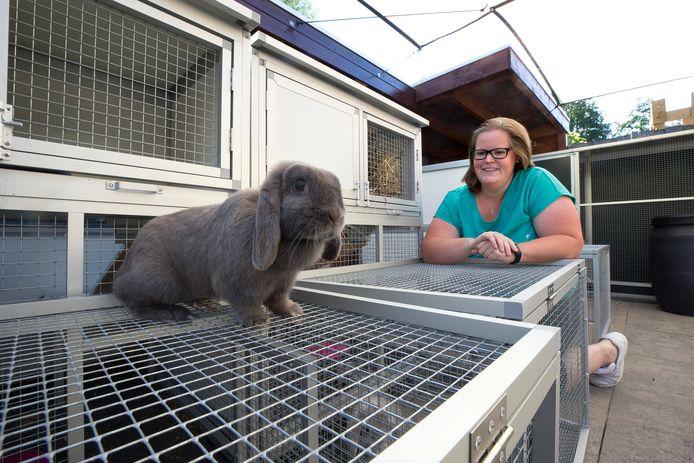 """,,Waar moet ik met mijn konijnen heen"""", vroeg Esther Hueting uit Westervoort zich in het verleden meermalen af. ,,Als dat voor mij een vraag was, zouden meerdere konijnenbezitters daar toch mee rondlopen."""""""