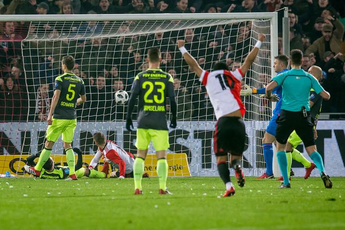 PSV ging gisteren onderuit in De Kuip en verloor met 2-0.