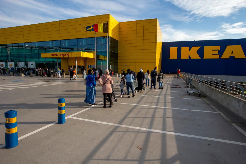 Onder meer in de IKEA van Anderlecht zullen bezoekers zich kunnen laten vaccineren. Beeld BELGA