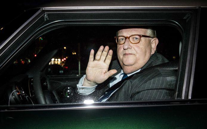 VVD-voorzitter Henry Keizer heeft nu ook DSB-sloper Pieter Lakeman in zijn broekspijpen hangen.
