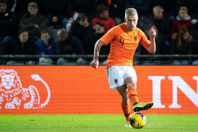 Rick van Drongelen in actie namens Jong Oranje.