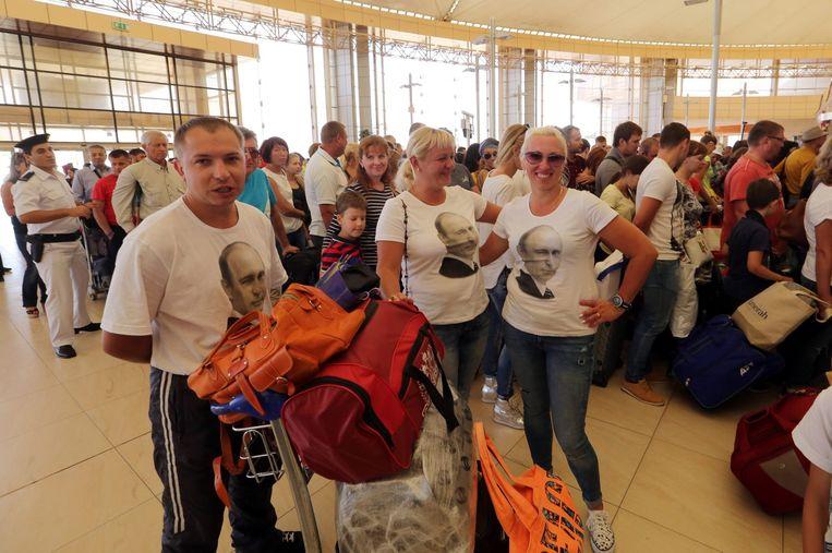 Russische toeristen op het vliegveld van Sharm el-Sheikh in Egypte. Beeld epa