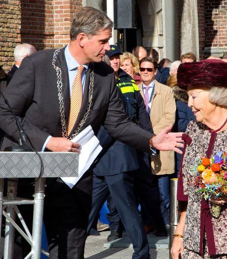 Standbeeld Willem van Oranje onthuld door prinses Beatrix