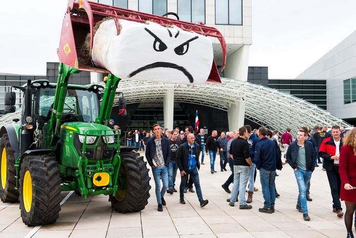 Boeren protesteerden eerder bij het provinciehuis in Utrecht.