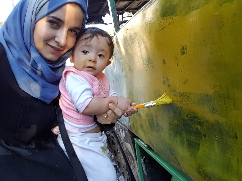 Waad Al-Kateab en Sama. Beeld