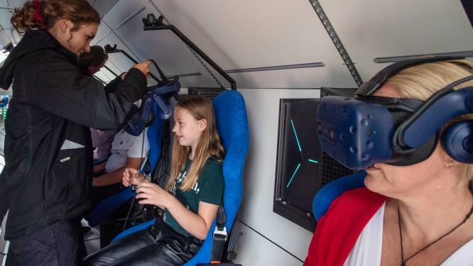 Verrassing voor leerlingen obs Glanerbrug Noord en Zuid: met SpaceBuzz de lucht in
